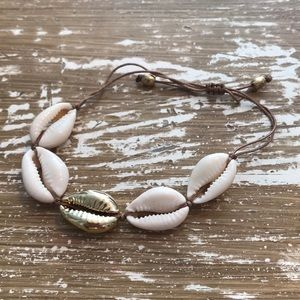 Jewelry - Cowrie Shell Anklet / Bracelet  NWOT
